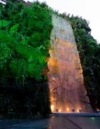 Os ense amos nuestro business center for Hotel el jardin vertical vilafames